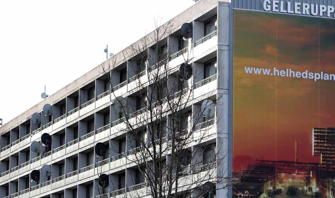 Det boligsociale arbejde i Gellerup sættes på pause